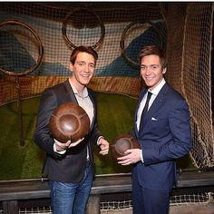 -[NEW] Twins Quidditch❤⚾️ - @HARRYPOTTERFILM @Oliver_Phelps @JamesPhelps_Pictures -