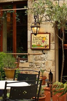 A little bistro in the medieval village of Puycelci, France | The Travel Blog ᘡղbᘠ