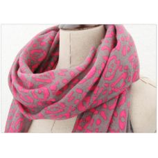Update your outfit with this pretty Hannah Scarf.