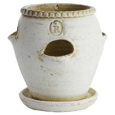 There's an R on this pot... I like it