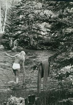 Girl in the River - Remember skinny dipping? But the fat lady hasn't sung yet so you never can tell what may happen ; Woodstock, Skinny Dippin, Nature Sauvage, We Are The World, Boudoir Photography, Bohemian Photography, Boudoir Poses, Inspiring Photography, Photography Ideas