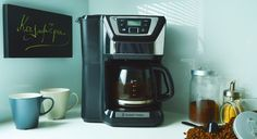 Russell Hobbs Chester 22000 Coffee maker with grinder. Review by Revyou.gr