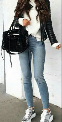 Tumblr Outfits, Mode Outfits, Night Outfits, Fashion Outfits, Jeans Fashion, Winter Outfits For Teen Girls, Cute Winter Outfits, Fall Outfits, Outfit Winter