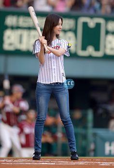 SNSD SeoHyun @ First Swing