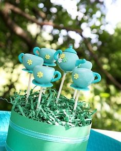 Cakepops - great idea for the biggest morning tea for the cancer council