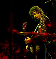 pagingpage:  zoso-trash:knockin-on-metals-door:  Jimmy Page  cant this man just play his guitar without humping the shit out of it and driving me wild no