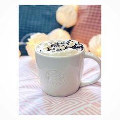 """Polubienia: 214, komentarze: 5 – Marcelina x Workshop (@marcelinaworkshop) na Instagramie: """"Weekend coffee is the best coffee of whole week ! 🥨 ☕️ #mornigcoffee #morning #weekendcoffee…"""""""