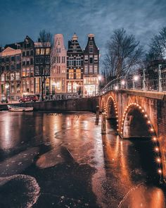 Stunningly Beautiful Street Photos of Amsterdam by Een Wasbeer #photography #streetmobs #travel #urban #Amsterdam