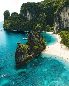 Krabi, Thailand You are in the right place about Beach Vacation inspiration Here we offer you the most beautiful pictures about the Beach Vacation usa you are looking for. When you examine the Krabi, Beautiful Places To Travel, Beautiful Beaches, Amazing Places On Earth, I Want To Travel, Wonderful Places, Beautiful World, Vacation Places, Dream Vacations, Jamaica Vacation