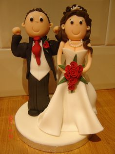 This cake topper is so cute out of fondant.