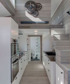 Zilker by ATX Tiny Casas &; Tiny Living Zilker by ATX Tiny Casas &; Tiny Living Nessa VanitoNessa Living The luxurious galley kitchen features a full-size propane cooktop […] Homes interior luxury Best Tiny House, Modern Tiny House, Tiny House Cabin, Tiny House Plans, Tiny House On Wheels, Tiny House Design, Tiny Houses For Sale, Little Houses, Casa Loft