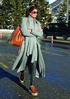 👕❤️👗 Fashion and Style Inspiration 👚❤️👒 Casual Chic, Style Casual, Casual Looks, Casual Outfits, Fashion Outfits, My Style, Grey Fashion, Minimal Fashion, Love Fashion
