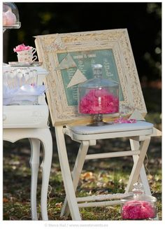 Inspiration Romantic Love. Coordination: Sweet Magical Moments. Photos by Sweet Events. Shabby chic seating plan.