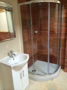 End of Tenancy Cleaning Bath Cleaning Service, Corner Bathtub, Bathroom, Washroom, Full Bath, Bath, Bathrooms, Corner Tub