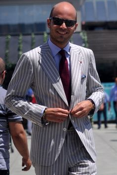 """Neapolitan - sleeves are tapered with overlapping, or """"kissing"""" buttons, and the overall jacket is slightly shorter than a classic English jacket."""