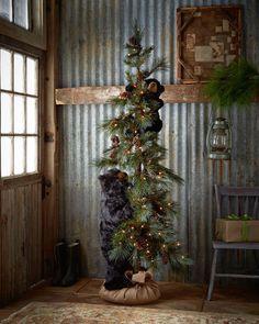 Ditz Design by the Hen House - Black High Mountain Bear Tree