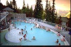 Parque Nacional de Banff - um show. Temperatura ambiente:-12. Temperatura da água da piscina: 40