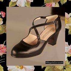 Zapato profesional de flamenco Begoña Cervera Modelo Clasico español piel negro