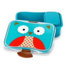 Little ones will love taking their lunch to school or carrying their snacks in this adorable Skip Hop Zoo Lunch Box. It features snap closure that are easy to little hands to open and close.