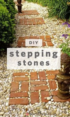 7 Different Ways to Design a Simple DIY Garden Walkway | from patios to stepping stones, we have tips and ideas on how to lay stones and create a garden path one step at a time. #backyardlandscapediypatio