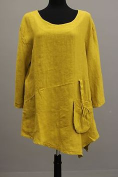 LA BASS GERMANY DESIGNER ITALIAN LINEN LAGENLOOK KNOTTED TUNIC MUSTARD Sz1 Note diagonal seam across front, with corner point hem.