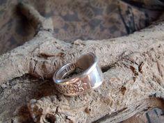 R7- Handmade spoon ring, c1940 sz 7-1/2 Silver Plated #handmade #SpoonRing
