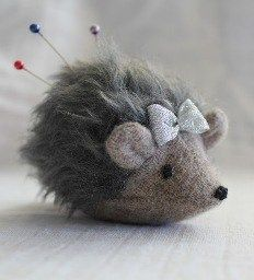 Free pattern: Hedgehog pincushion or softie – Sewing