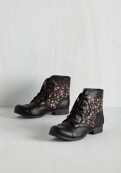 Hike Through Hollywood Bootie in Black Bouquets From the Plus Size Fashion Community at www.VintageandCurvy.com