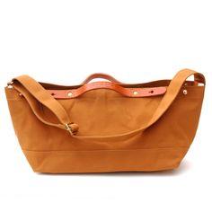 suolo(スオーロ)Crop mini ブリック(2wayトートバッグ)。土いじりのきっかけとなる道具としての鞄をコンセプトとして生まれたバッグ。