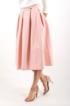 kolekcja zaprojektowana przez polską markę s.Moriss, znajdź nas na Facebook!: www.facebook.com/lovesmoriss/ s.moriss s moriss smoriss sukienka koktajlowa, sukienka, suknia, sukienka na wesele, sukienka wizytowa, koronka, rozkloszowana, kobieca, modna, kombinezon Midi Skirt, Facebook, Skirts, Dresses, Fashion, Vestidos, Moda, Midi Skirts, Skirt