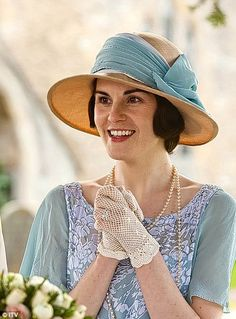 Downton Abbey Michelle Dockery as Lady Mary Crawley looks lovely in blue, pearls… 2019 Downton Abbey Season 3, Downton Abbey Movie, Downton Abbey Costumes, Downton Abbey Fashion, Downton Abbey Mary, Lady Mary Crawley, Matthew Crawley, Michelle Dockery, Downton Abbey Characters