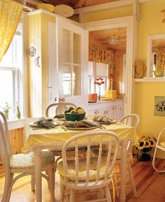 Pretty yellow kitchen