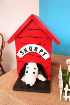 Snoopy + Dog House Decoration from a Peanuts + Charlie Brown Birthday Party via Kara's Party Ideas | KarasPartyIdeas.com (6)