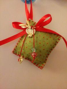 ΓΟΥΡΙΑ Dyi Crafts, Christmas Projects, Christmas Diy, Christmas Wreaths, Christmas Crafts, Crafts For Kids, Christmas Decorations, Christmas Ornaments, Flower Coloring Pages