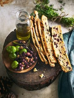Perfect for a picnic or a party, these flavour-filled biscotti are an ideal afternoon snack. Savory Snacks, Healthy Snacks, Snack Recipes, Cooking Recipes, Donna Hay Recipes, Savoury Biscuits, Healthy Afternoon Snacks, Olives, Crack Crackers