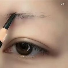 Makeup Tips Eyeshadow, Fall Eye Makeup, Eyebrow Makeup Tips, Makeup Tutorial Eyeliner, Makeup Looks Tutorial, Eye Makeup Steps, Eye Makeup Art, Smokey Eye Makeup, Skin Makeup