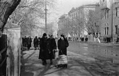 На прогулке по ул. Куйбышева. Март 1959 г.