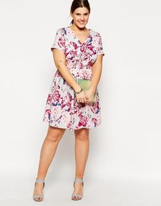 summer spring wedding guest outfit plus size fun floral print flirty casual business