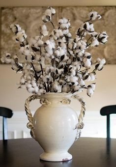 """This cotton boll spray provides a rustic accent to mantles, tables, railings and more. Our cotton sprays look beautiful in weddings and country-chic home decor. - Includes: 6 Pieces - 32"""" length - Fau"""