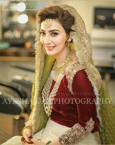 She is just like a star . Pakistani Bridal Makeup, Bridal Mehndi Dresses, Nikkah Dress, Pakistani Wedding Outfits, Pakistani Wedding Dresses, Bridal Outfits, Bridal Lehenga, Indian Bridal, Indian Outfits