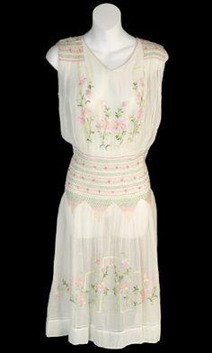 1920s hand, summer dresses, bridesmaid dresses, circa 1920, the dress
