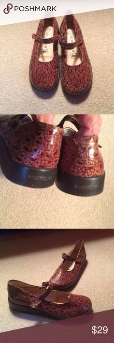Arcopedico Parodi Mary Jane Flats Sz 7 Never Worn. Handmade in Portugal. Leather. Orthopedic Comfort. Sz 7 Arcopedico Shoes Flats & Loafers