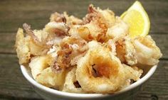 How to cook perfect calamari ♡ Squid is a divisive ingredient, but for those who love it golden-brown freshly fried calamari is an unalloyed delight. Cooking Calamari, Calamari Recipes, Squid Recipes, Fried Calamari, Calamari Squid, Octopus Recipes, Fish Dishes, Seafood Dishes, Fish And Seafood