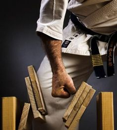 10 Disturbing Myths About Karate Everyone Thinks Are True Martial Arts Quotes, Martial Arts Weapons, Martial Arts Movies, Peaky Blinders Series, Tang Soo Do, Kyokushin Karate, Ju Jitsu, Martial Arts Techniques, Hapkido