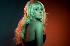 Carrie Underwood - Good Girl - Watch video here: http://dailycountryvideos.com/2012/03/14/carrie-underwood-good-girl/