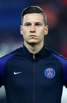 """Julian Draxler of Paris Saint-Germain in action during the UEFA Champions League Round of 16 first leg match between Paris Saint-Germain and FC Barcelona at Parc des Princes on February 2017 in Paris, France. Julian Draxler """" Saber Of Germany ⚔️🇩🇪 Best Football Players, Football Is Life, Football Boys, Rugby Players, Draxler Julian, Fifa, Top League, International Football, Paris Saint"""