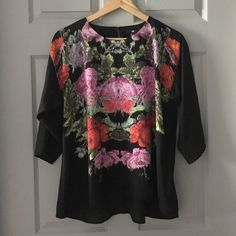 H&M top only worn a couple times. (100% polyester) H&M Tops Blouses