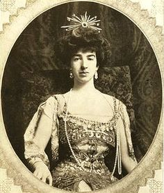 Society Matron - Gertrude Vanderbilt Whitney and the Great War.