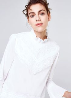 Uterqüe Denmark Product Page - New in - Mid Season Sale - Blouse with pleated details - 553