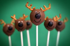 it's beginning to feel alot like christmas :) loving these festive cake pops - thinking it might be fun also for my 5yo to dip some marshmallows in chocolate and stick on the M&M for rudolf and choc free ones for snowmen